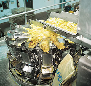 Packing machine for nuts, chips and crackers and snacks